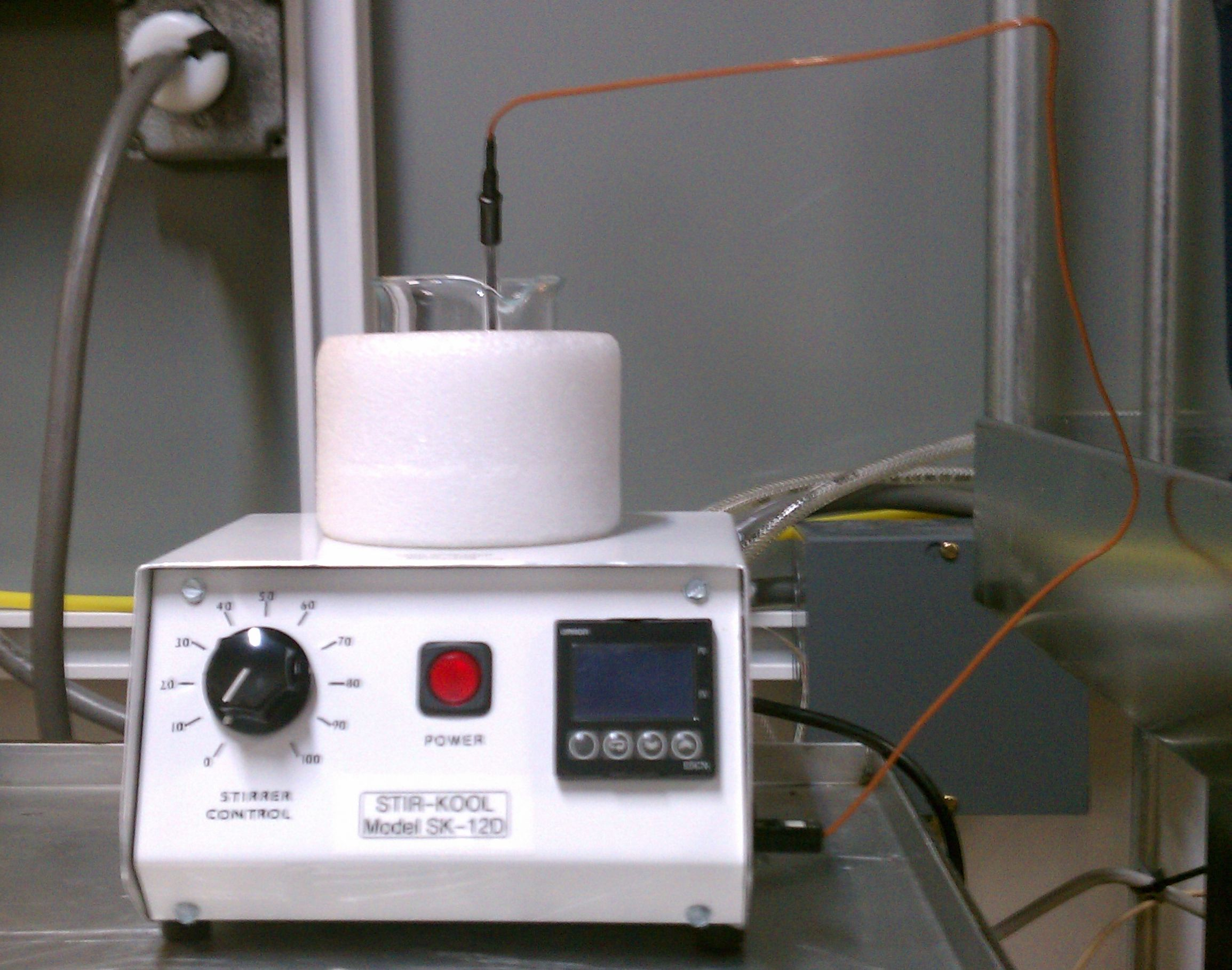 Chiller plate with beaker and probe g